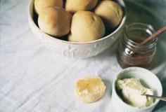 oakmoss: White Bread Rolls
