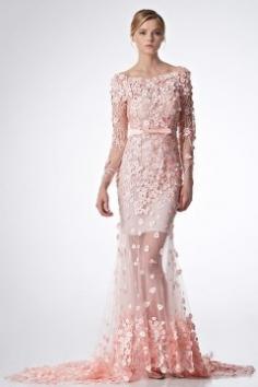 Robe de mariée sirène rose appliquée et perlée florale - Persun.fr