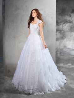 Ball Gown Sweetheart Lace Court Train Organza Bridal Dress